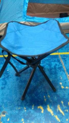 Silla banquito plegable para camping con 4 patas NUEVA