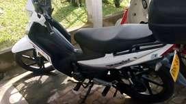 Se vende moto akt special única dueña