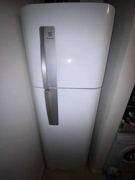 Heladera No Frost Electrolux Df3900b Blanca 350 Lts Como Nueva