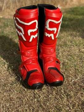 Indumentaria moto cross motocross botas servical trajes y demas. Fox alpinestar fly racing leaht