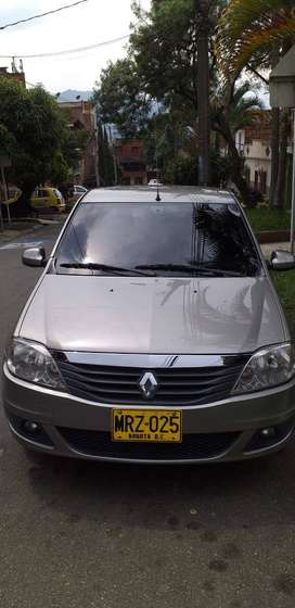 SE VENDE CARRO LOGAN