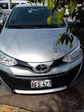 Se vende Toyota yaris(grupo pana) del 2018 semi full