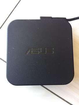 Cargador Asus 19V 3.42A