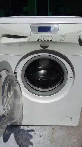Hermoso lava ropa,con garantía