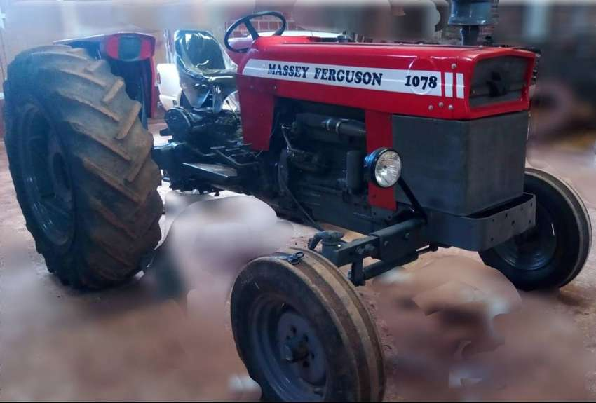 Tractor MF 1078 0