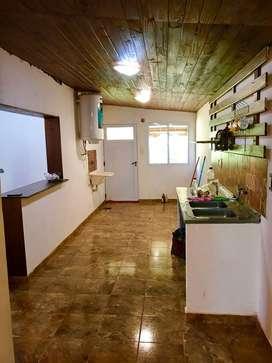 Alquilo amplia casa en Garupa proxima a la Eugenia