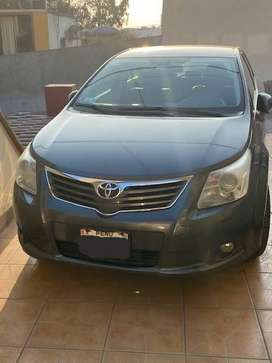 TOYOTA AVENSIS 2011 - Impecable
