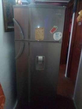 se vende nevera mabe convencional en perfectas condiciones 341 litros.