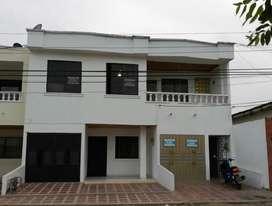Casa Amplia Y Fresca B/ La Julia.mtria