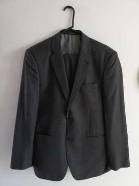 Vendo autentico vestido/traje Arturo Calle gris (Saco y pantalón) ¡POCO USO!