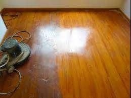 limpieza y desmancho de pisos de madera