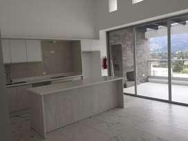 Renta o alquiler de Moderna Suite a Estrenar en Cumbaya