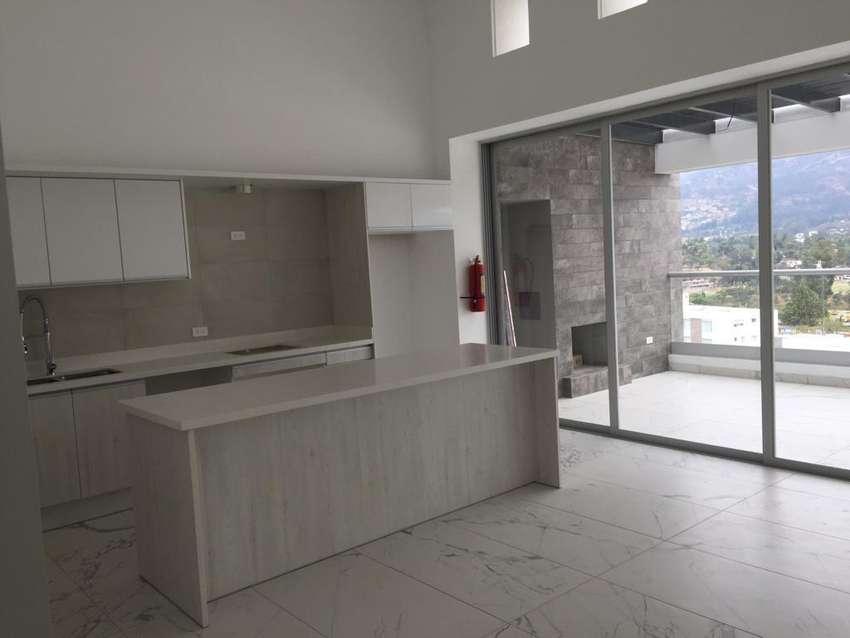 Renta o alquiler de Moderna Suite a Estrenar en Cumbaya 0