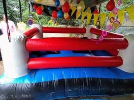 Alquiler Ring inflable de Boxeo con guantes gigantes apto para adultos y niños