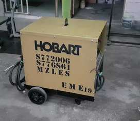 Soldador industrial marca hobart 300 amp