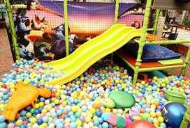 Play Ground//Piscina de pelotas parque infantil