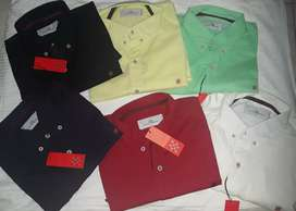 Camisas CH Carolina Herrera manga larga, disponibles en talla S.,