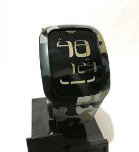 Reloj Swatch Touch Camuflado