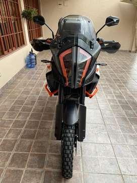 Moto ktm 1290 R adventure flamante, con varuos extras