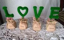 GANGA Vendo LOTE de 90 Unidades de LOVE decorativo cuatro piezas