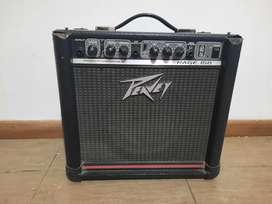 Vendo amplificador de guitarra en perfecto estado y funcionamiento.