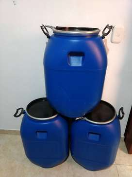 Canecas plásticas 60 litros