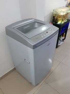 Se vende lavadora haceb de 21 libras