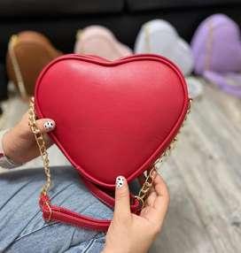 Bolso en forma de corazón