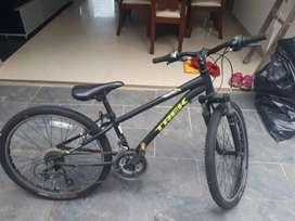 Vendo bicicleta trek para niño