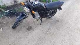 Vendo moto al día buen estado
