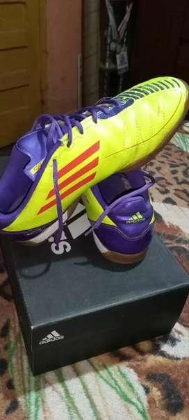 Vendo zapatilla para fútbol de salón o fútbol 5 Adidas original