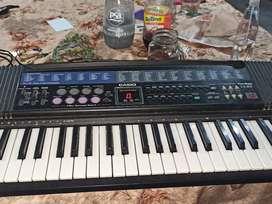 teclado Casio CT-657