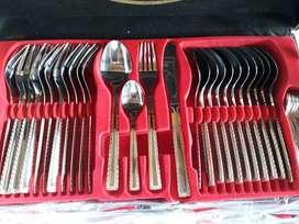 Cubiertos Solingen Germania de 84 piezas en Plata y Oro Original