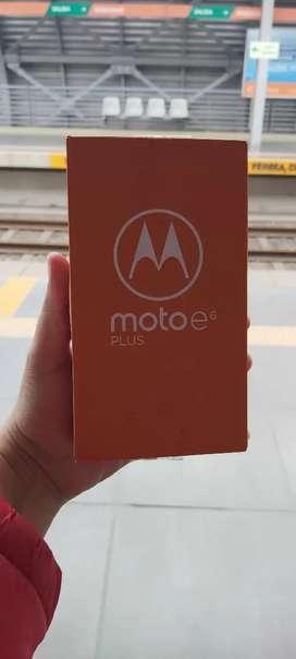 IMPECABLE MOTOROLA E6 PLUS 4G LTE 32GB EN CAJA TODO OK