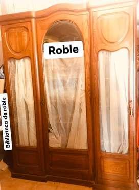 Biblioteca de Roble ingles . Unica en si estado