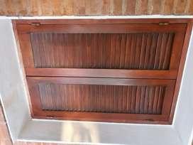 Ventana de cedro vendo usada en perfecto estado - 1,18 alto x 0,80 mts ancho