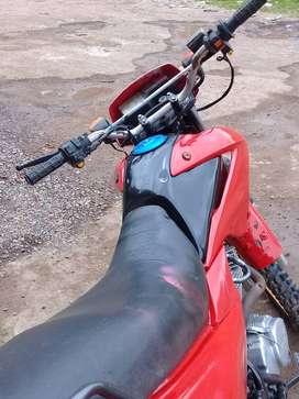 Vendo moto XL  BROSS