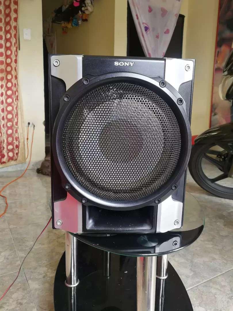 Bajo para equipo de sonido marca sony