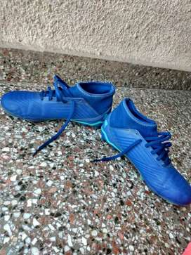 Vendo botines Adidas predator 18.3 talle 38
