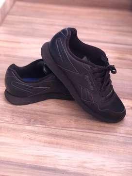 Zapatillas marca Rebook cuero