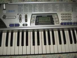 Teclado Organo Casio Ctk 496 con transfo excelente funcionamiento
