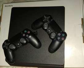 PS4 slim Casi nuevo