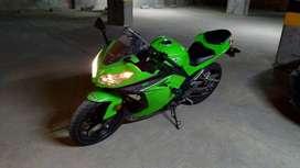 Kawasaki Ninja 250 año 2017 9500km