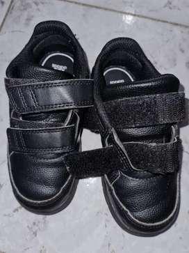 Zapatillas de cuero con abrojo