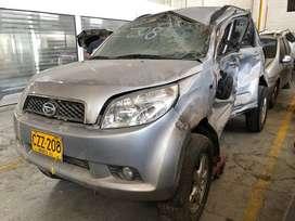 Daihatsu terios okii 2009 4x4 chocado siniestro salvamento