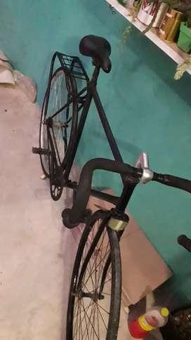 Vendo rodado 28 rueda trasera nueva completa contra pedal anda bien