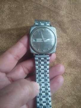 Vendo reloj automático unsado