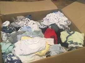 Venta de lote de ropa usada de bebé de 0 a 6 meses