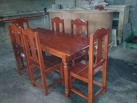 Vendo una mesa cn silla