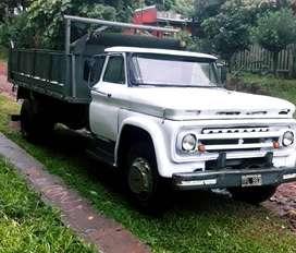 Camión volcador marca Chevrolet modelo 68, en excelente estado, soy titular del vehículo,